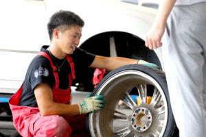 タイヤのサイズはどこを見るの?